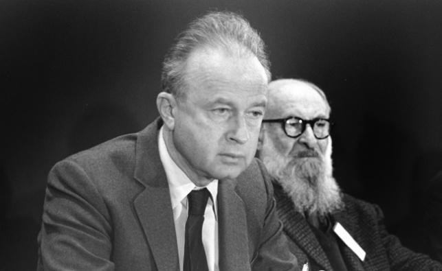 יצחק רבין. ממשלתו נפלה בגלל השבת