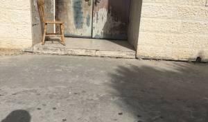 המדרגה שחוסמת את הנכים בכניסה לבית הכנסת