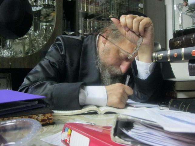 """הרב פנחס זצ""""ל"""