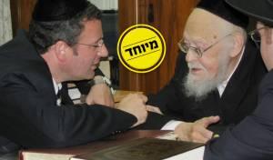 """הרב פישר עם מרן הגרי""""ש זצ""""ל"""
