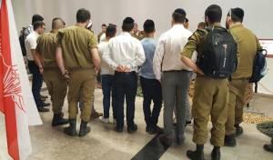 תיעוד: עשרות בכנס צנחנים חרדים בירושלים