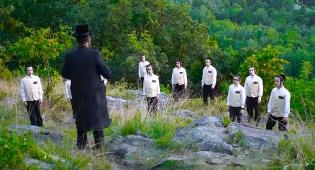 פרחי שיר ושבח בקליפ חדש  - יום זה לישראל