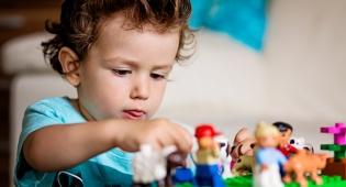 איך לעבור את הצום בשלום עם ילדים בבית
