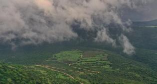 תיעוד רחפן: הערפל כיסה את כפר הנופש
