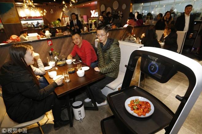 המסעדה שהרובוטים מכינים בה את האוכל