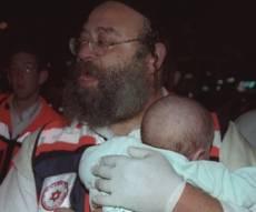 אחרי 17 שנה: בנצי סייע שוב לילד מהפיגוע