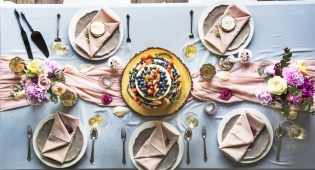 4 רעיונות מקוריים במיוחד לעיצוב שולחן החג