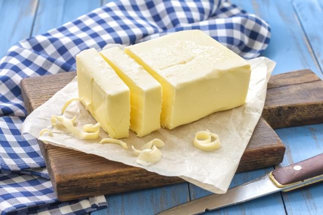 הידד! מחקר גילה כי חמאה אינה משמינה