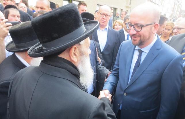 ראש הממשלה הבלגי ביקר במוסדות בעלזא