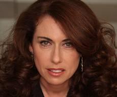 """סטלה הנדלר - מנכ""""לית בזק שוחררה ממעצר הבית הארוך"""