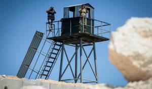 חייל לבנוני ואיש חיזבאללה בגבול. ארכיון