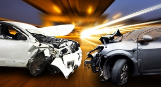 אילוסטרציה - הונגריה: צעירים חרדים נפצעו בתאונה קשה