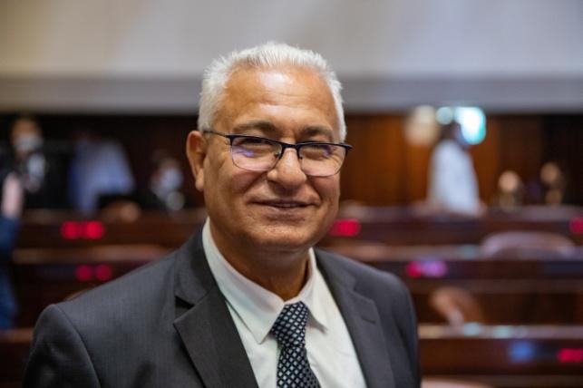 מאזן גנאים - ימונה לסגן שר ויתפטר מהכנסת