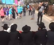 חלק מהמחאה במרתון. חלק שעוד ניתן לצפייה - המחאה במרתון היא 'עקירת הדת' האמיתית