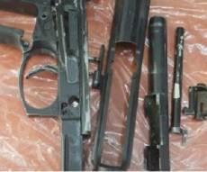 כאן החביא הערבי את האקדח - צפו: כך נתפס אקדח שערבי החביא בחצרו