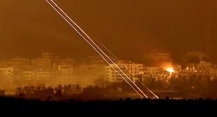 """רקטה שוגרה לישראל; צה""""ל תקף בעזה"""