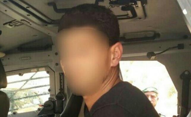 נמנע פיגוע: שוטרים עצרו מחבל עם מדי שוטר