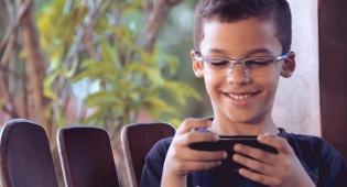 על חשבון ההורים: הילד שיחק בפלאפון ב-16 אלף שקל