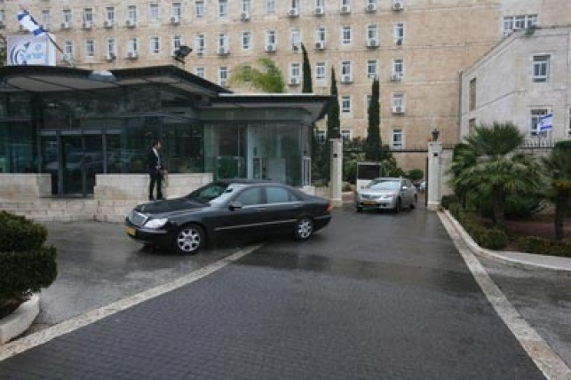 """משרד ראש הממשלה - עוד פרשה: חשד להטיית מכרז במשרד רה""""מ"""