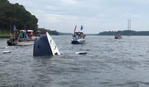 משט תמיכה בטראמפ השתבש: סירות טבעו
