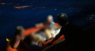 נסחפו עם סירה מתנפחת ללב ים וחולצו בנס