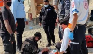 'שודדים'; מפגינים עצרו חילול קברים. צפו