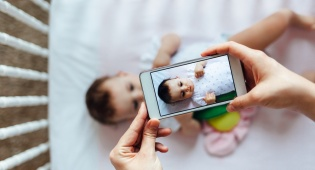 קריאה לכל ההורים: האם אתם אשמים בשיתוף יתר?