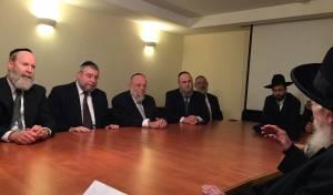 עם ראשי ׳ועידת רבני אירופה׳ בכינוס הדיינים בירושלים. כ״ה בכסליו תשע״ז.