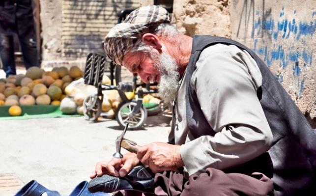סנדלר ברחובות איראן