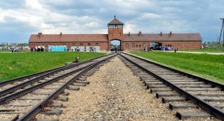 מחנה אושוויץ-בירקנאו - אחרוני שרידי האש עדיין איתנו, נצלו זאת