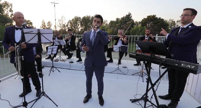 """איציק דדיה מבצע את """"ברכת הבנים"""" • צפו"""