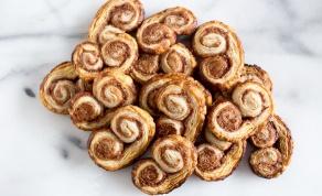 """עוגיות """"אוזני פיל"""" מתוקות ומהירות הכנה - מוכנות תוך 20 דקות: עוגיות """"אוזני פיל"""" מתוקות"""