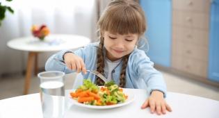 רוצים שהילדים יאכלו מזון בריא? אל תקראו לו כך