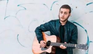 """מאיר בורשטיין בסינגל בכורה: """"דיו שנשפך"""""""