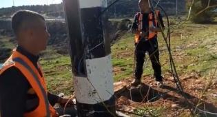 """ערבים מחברון מתקינים את מצלמות צה""""ל"""