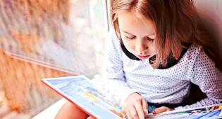 הזרעים שתשתלו עכשיו עוד יגדלו לאילן רב ענפים - 4 דרכים לגדל ילדים שאוהבים לקרוא ספרים