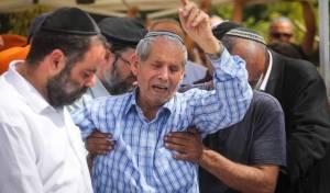 """תיעוד מהלויית הקצין: """"שמע ישראל, למה?"""""""