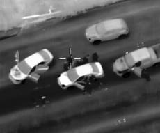 תיעוד מהרחפן: בלשים עוצרים סוחרי נשק