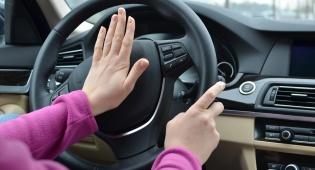 אילוסטרציה - ילדה בת 8 גנבה את רכב האם ודהרה בכביש
