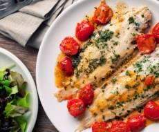 דג סול עם עגבניות שרי