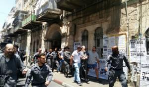 המעצרים במאה שערים