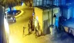 התיעוד נחשף: מחבל דורס, החיילים בורחים