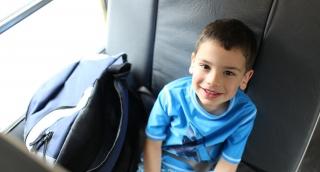 באיזה גיל ילד יכול לנסוע באוטובוס לבד?