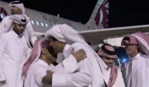 קבלת הפנים ל-26 החטופים - קטאר ניסתה להעביר מאות מיליונים לטרור?