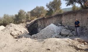 הרסו יישוב יהודי עתיק בדחפור ונעצרו • צפו