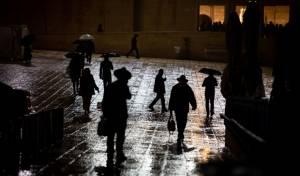 רבי גרשון ירד מהתיבה; גשם ירד בירושלים