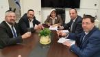 """נציגי 'דגל' בפגישת החתימה עם ר""""ע בית שמש"""
