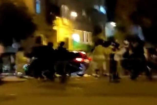 """סמוך למא""""ש: רכב ניסה לדרוס חרדים • צפו"""