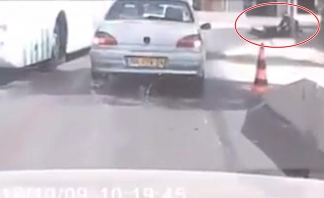 המחבל מרסס את השוטרים, אחד נרצח. צפו