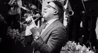 יעקב שוואקי במופע לכבוד ירושלים  • צפו